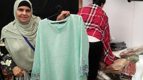 Jualan rancak di bazar Geylang Serai, penjaja balik modal dalam dua minggu