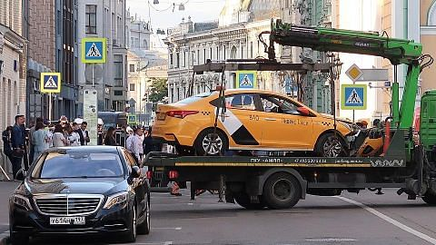 7 cedera apabila teksi rempuh pejalan kaki di Moscow