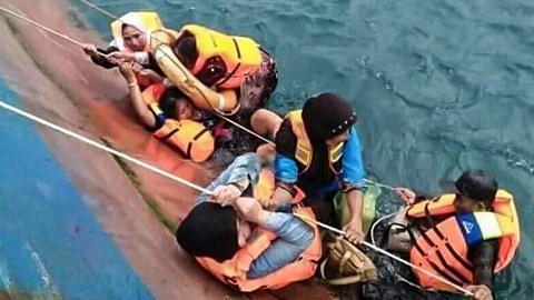 Lebih 70 maut, hilang apabila feri karam di Sulawesi