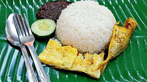 Sudah 3 dekad jual nasi lemak $1 sebungkus