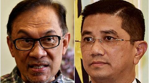 Azmin's chief adviser calls on Anwar to retire from politics