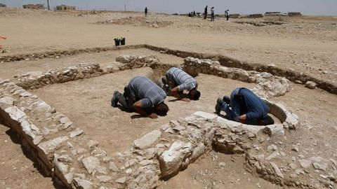 Archaeologists find mosque from when Islam arrived in the holy land