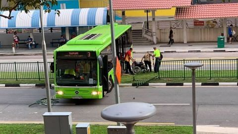 Bus drives into road divider along Pasir Ris Drive 1, no injuries reported