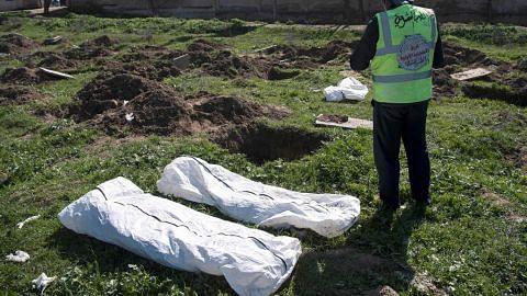 Kubur yang tempatkan kira-kira 3,500 mangsa ISIS ditemui di luar bandar Raqqa