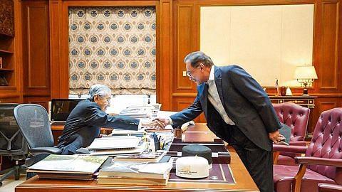 Anwar setuju tidak perlu tukar DPM, Kabinet