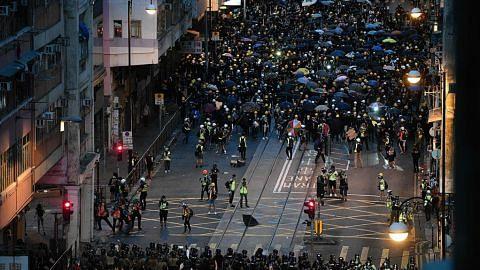 China kutuk keganasan di HK, lahir sokongan atas Carrie Lam