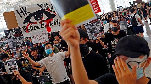 Rusuhan di HK: Semua penerbangan dibatal