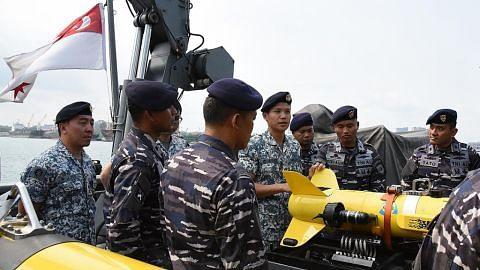 Latihan angkatan laut S'pura-Indonesia bagi tangani ancaman di laut