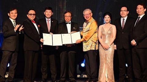 Lawatan Hong Tat ke Sarawak pererat hubungan dagangan