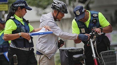 Tunggang e-skuter di laluan pejalan kaki, dua ditahan