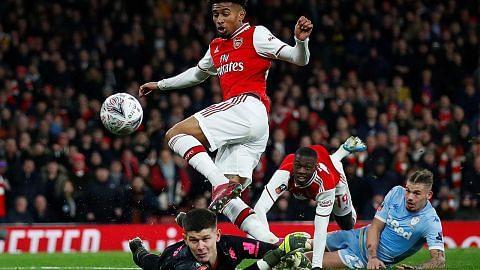 PIALA FA ENGLAND Gagal jaring gol, Arsenal denda Leeds