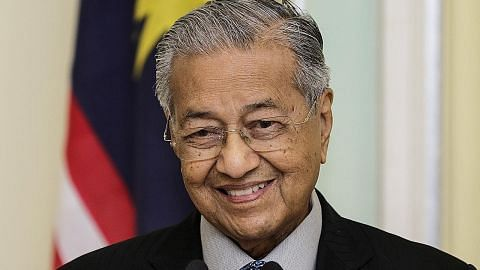 Sumber: Zahid mahu Umno sokong Mahathir kekal sebagai PM