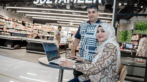 Jualan di pasar raya makanan halal laris, tempahan dalam talian juga naik