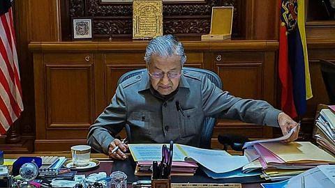 Mahathir kembali kerja macam biasa