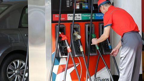 Harga pam minyak di sini belum cermin kemerosotan harga pasaran