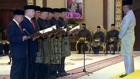 Kabinet Malaysia angkat sumpah jawatan