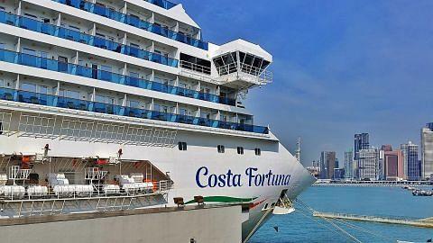 Penumpang Costa Fortuna turun di pelabuhan SG