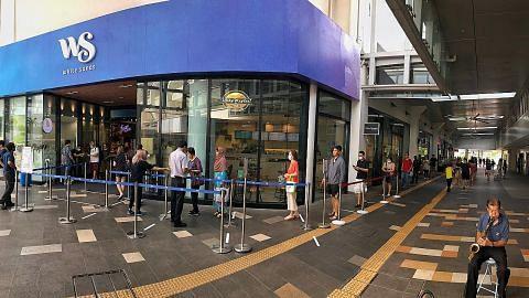 Pusat beli-belah, kedai mulai had jumlah pelanggan