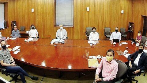PM, Menteri Kabinet amal jarak selamat