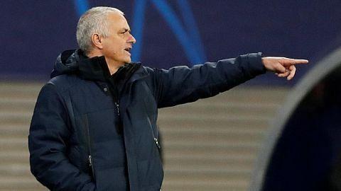 Mourinho, pemain dilihat berlatih; Spurs beri amaran