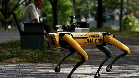 NParks rintis kerah robot jarak selamat di taman awam