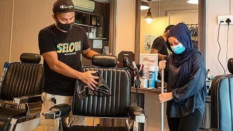Pemilik kedai gunting lega dapat beroperasi semula; elak kerugian lanjut