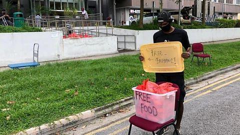 Atlet SG turun padang hantar makanan kepada golongan memerlukan