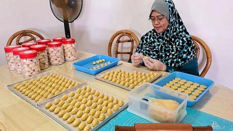 Tempahan biskut dan kek Raya 'wajib' laris