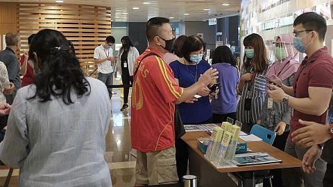 MRT, jalan raya kian sibuk dek warga mula ke sekolah, pejabat