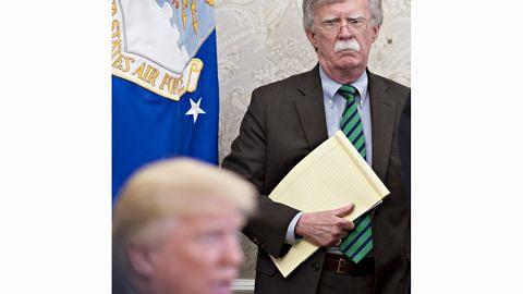 Hakim AS izin buku bekas penasihat Trump diterbit
