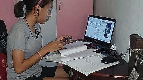 Anak terpaksa kongsi, bergilir guna komputer riba