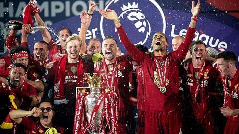 Liverpool julang piala dalam suasana stadium 'kosong'