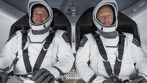 Angkasawan Nasa dalam SpaceX Crew Dragon selamat mendarat