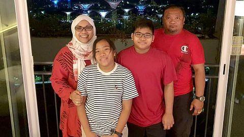 Pilih 'staycation' di MBS tengok NDP bersama keluarga