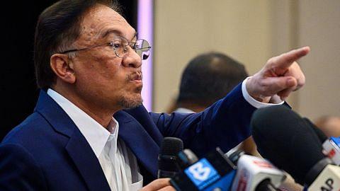 BERITA Muhyiddin: Kerajaan Perikatan Nasional masih berdiri teguh