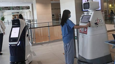 Robot bantu periksa suhu, kesan pengunjung tanpa pelitup