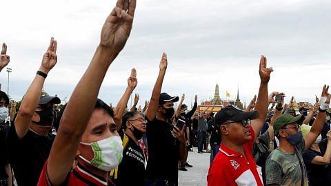 Protes di Thai kian meluas, tidak endah amaran PM