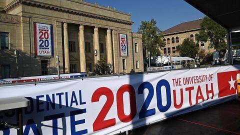 Pengadang kaca pisahkan Pence, Harris dalam debat calon naib presiden