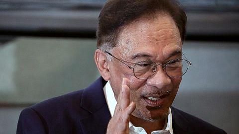 Anwar temu Agong Selasa, kemuka hujah ambil alih teraju kerajaan