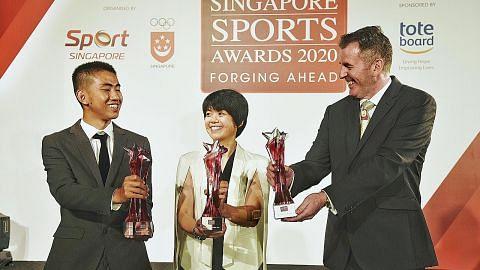 Gilchrist, Tan raih Anugerah Atlet Terbaik