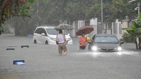 Beberapa kawasan dilanda banjir kilat semalam