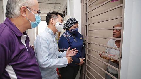 Relawan India, Melayu PA ganding bahu agih kuih dan biskut sempena Deepavali