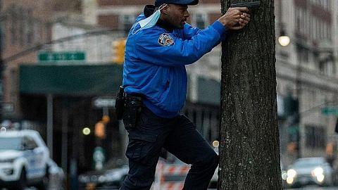 Polis tembak mati lelaki lepaskan tembakan di luar gereja di New York City