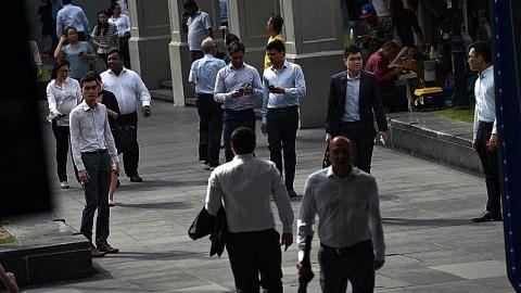 5,200 peluang kerja, latihan dalam sektor khidmat kewangan tersedia