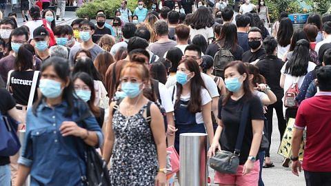 COVID-19 MUSUH YANG TIDAK KELIHATAN VAKSIN LINDUNGI DIRI DAN ORANG KELILING Ancaman pandemik tetap nyata dan berterusan