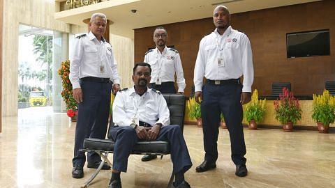 Terima anugerah penyelamat SCDF kerana selamatkan rakan sekerja alami serangan jantung