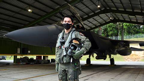 Terbang tinggi kemudi jet pejuang F-15