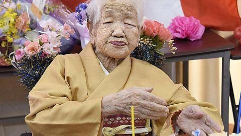 Insan tertua di dunia rai hari lahir 118 tahun