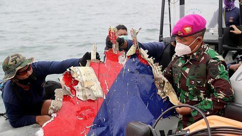 Serpihan, isyarat pesawat Indonesia ditemui