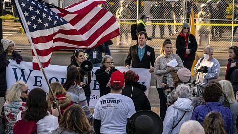 Usul undi bagi desak naib presiden Pence singkir Trump